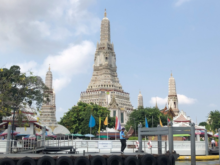 Wat Arun Bangkok by Lori Zaino